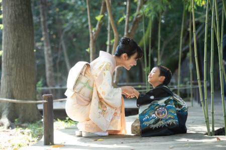 5歳の男の子の撮影|大宮氷川神社で七五三の出張撮影|おかあさん大好き