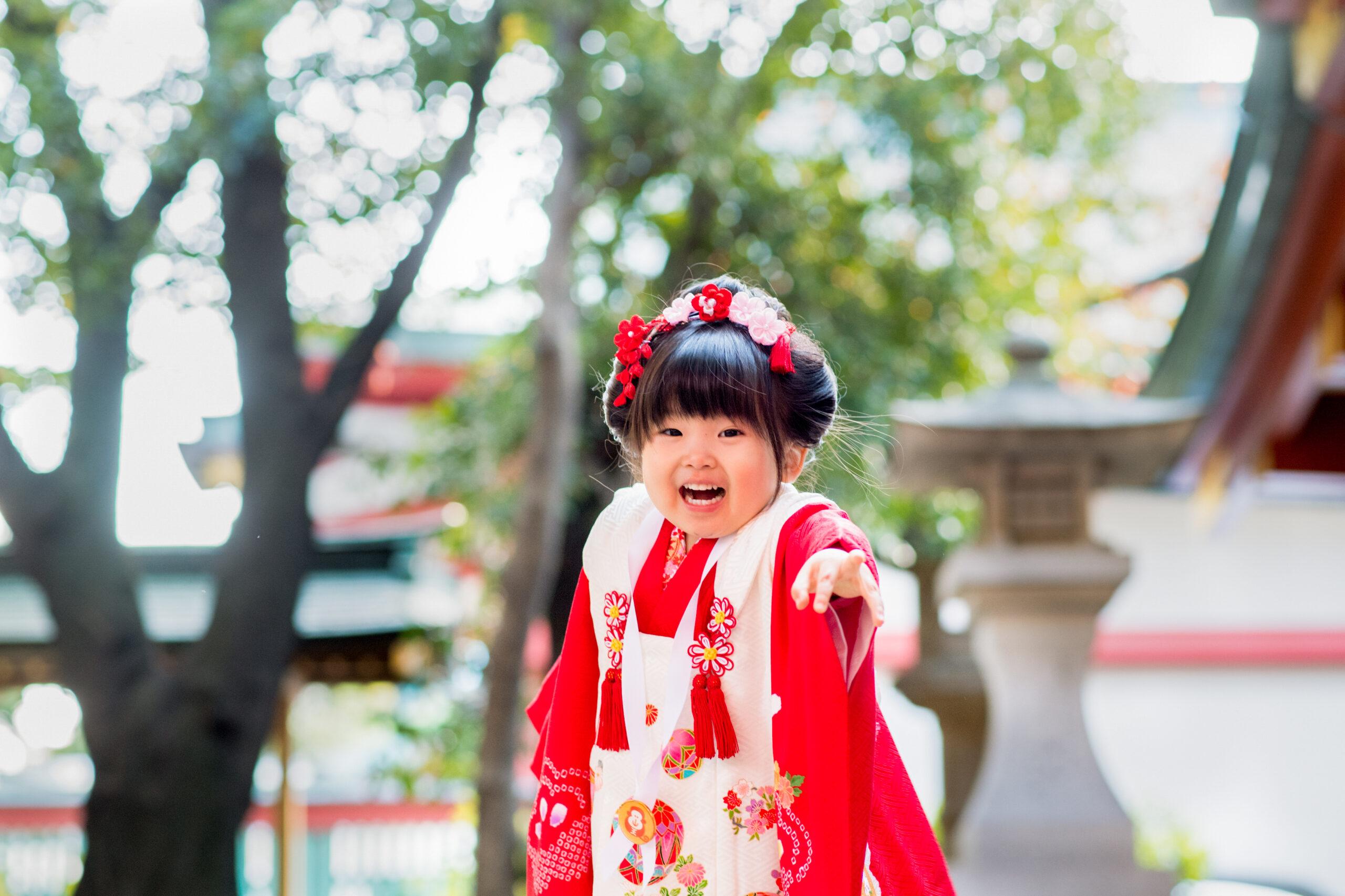 七五三の出張撮影|存在感ある3歳女の子のPIC|赤坂日枝神社